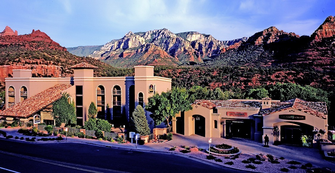Fidelity National Le Camelback Lakes Office Closes Of Arroyo Roble Resort In Sedona For 25 5m Madridmedia